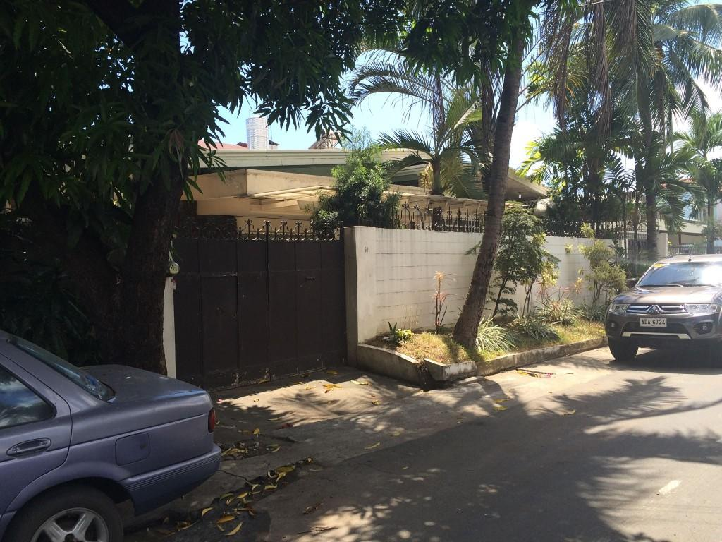 House and lot For sale in Scout Area Quezon City